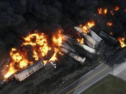 Vlak plný chemikálií explodoval
